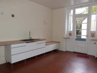 ORGELET 39 JURA centre BELLE MAISON de VILLE rénovation contemporaine - garage -terrasses - jardin, Lingerie Buanderie ouvrant sur terrasse
