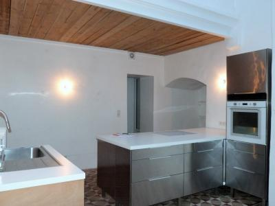 ORGELET 39 JURA centre BELLE MAISON de VILLE rénovation contemporaine - garage -terrasses - jardin, Cuisine communiquant avec pièce de vie