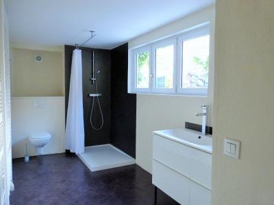 ORGELET 39 JURA centre BELLE MAISON de VILLE rénovation contemporaine - garage -terrasses - jardin, Etage NUIT: salle de bains (douche àl