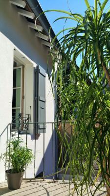 ORGELET 39 JURA centre BELLE MAISON de VILLE rénovation contemporaine - garage -terrasses - jardin,