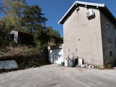 LONS-LE-SAUNIER 3900O Vends MAISON indépendante 60m²env.+sous-sol+garage 70m²env. terrain 650m²env., Cour goudronnée et accès garage