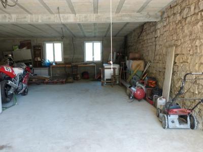 LONS-LE-SAUNIER 3900O Vends MAISON indépendante 60m²env.+sous-sol+garage 70m²env. terrain 650m²env., Garage avec  fenêtres