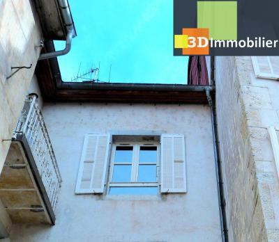SAINT-CLAUDE 39200 JURA, à vendre centre APPARTEMENT de caractère en DUPLEX - 134.61m²-  2 chambres., Chambre 1 - mansardée - avec rangement
