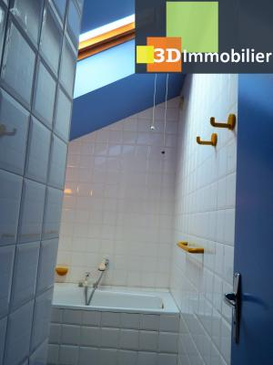 SAINT-CLAUDE 39200 JURA, à vendre centre APPARTEMENT de caractère en DUPLEX - 134.61m²-  2 chambres., Séjour avecporte-fenêtre ouvrant sur petit balcon (côté rue)