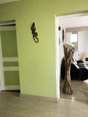 LONS LE SAUNIER 39000 JURA Vend grande MAISON INDEPENDANTE 2 appartements idéale PROFESSIONNEL., Etage: Hall