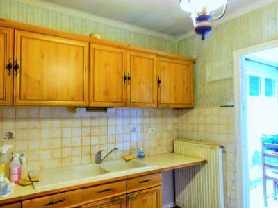 LONS-LE-SAUNIER 39 Jura 10km à vendre Maison indépendante 85m²env., 3 chambres sur terrain 840m²env., Entrée