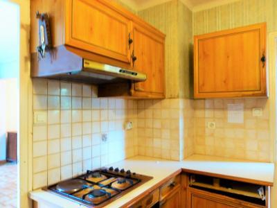 LONS-LE-SAUNIER 39 Jura 10km à vendre Maison indépendante 85m²env., 3 chambres sur terrain 840m²env., Cuisine ouvrant sur balcon