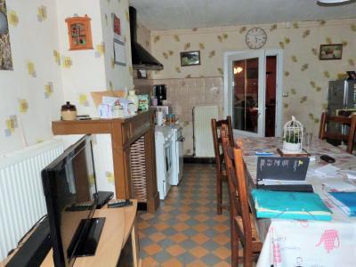 ORGELET JURA Vends Maison 100m²env. et grandes dépendances attenantes sur terrain 477m²env., Cuisine de 19.50m²env.
