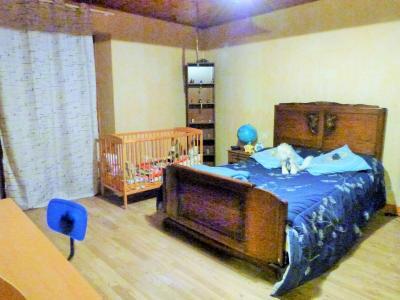 ORGELET JURA Vends Maison 100m²env. et grandes dépendances attenantes sur terrain 477m²env., étage: chambre 1