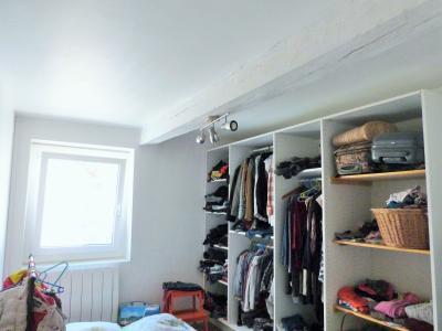 Secteur Macornay 39570 Vends maison 120m² - 4 chambres - mitoyenne 2 côtés -garage- jardin séparé-, Chambre