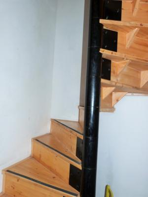 Secteur Macornay 39570 Vends maison 120m² - 4 chambres - mitoyenne 2 côtés -garage- jardin séparé-,
