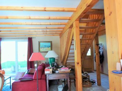 Axe LONS-le-SAUNIER / ORGELET 39 Vends Maison ossature bois 2003 de 135m²env sur terrain 1630m²env, Entrée ouverte sur pièce de vie