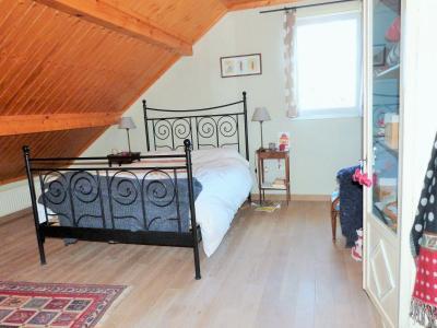 Axe LONS-le-SAUNIER / ORGELET 39 Vends Maison ossature bois 2003 de 135m²env sur terrain 1630m²env, Etage: Chambre 4