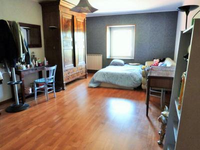 LONS-LE-SAUNIER 39000 JURA à 10 mn Vends MAISON 355 m²env.- 6 chambres, terrasse, jardin, 2 garages., CHAMBRE 2