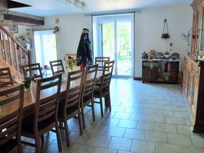 LONS-LE-SAUNIER 39000 JURA à 10 mn Vends MAISON 355 m²env.- 6 chambres, terrasse, jardin, 2 garages., ENTREE - BUREAU