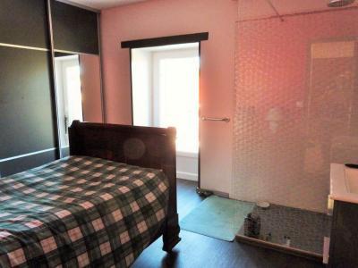 LONS-LE-SAUNIER 39000 JURA à 10 mn Vends MAISON 355 m²env.- 6 chambres, terrasse, jardin, 2 garages., SALLE A MANGER OUVRANT SUR TERRASSE