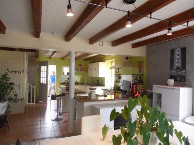 Dole secteur Saint Aubin, 39410, a vendre maison de 140 m² de 7 pièces dont 4 chambres sur 844 m².,