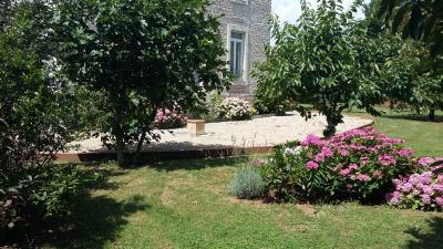 ST JEAN DE LOSNE, à vendre Maison de maître de 250 m², 3 chambres, grange de 250 m², parfait état., palier