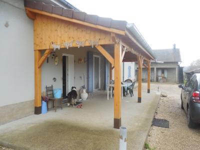 DOLE, à vendre Maison plain pied, 4 chambres, dépendances, sur terrain de 4380 m² clos constructible,
