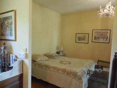 DOLE, vends Maison de qualité de 150 m² proche centre ville 3 chambres, terrain clos et arboré.,