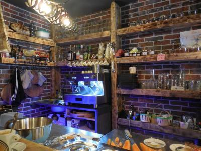 DOLE, 39100, vend cause retraite, Restaurant 14 couverts, terrasse, très bon emplacement petit loyer,