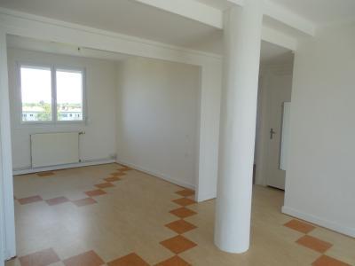 DOLE, à vendre appartement T4 en parfait état, balcon, double vitrage, quartier prisé, ascenseur.,