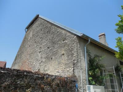 DOLE, 39100, Maison a terminer,  belle restauration, 3 chambres, possibilités aménager les combles,