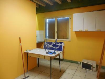 SAINT VIT, 25410, Garage municipaux de 300 m², avec appartement de fonction 160 m² sur 3000 m².,