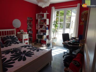 Saint-Vit, 25410, Maison de 2006 de 186 m² 3 chambres, terrain 1100 m², quartier calme.,