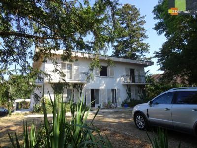 DOLE, 39100, Vaste villa de 300 m² sur sous sol, comprenant 7 chambres sur un terrain de 1500 m²,