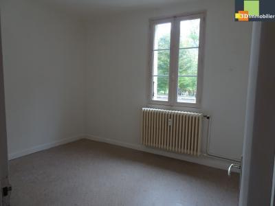 DOLE, 39100, T5 3 chambres, salon salle à manger, cuisine équipée bonne état, balcon,