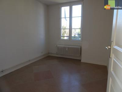 DOLE, 39100, Appartement 78 m², 3 chambres résidence privée, parking, au calme,