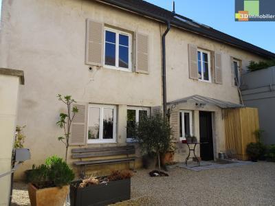 Dole (Jura) à vendre Maison de famille du XVIII , 5 chambres, sur terrain de 700 m².,