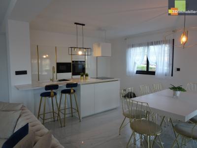DOLE 39100, vends Maison récente vaste pièce à vivre, 3 chambres, 150 m², garage, proche autoroute.,