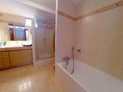 Théoule sur Mer (06 Alpes Maritimes), a vendre villa de 320 m2, vue mer panoramique époustoufflante., salle de bains