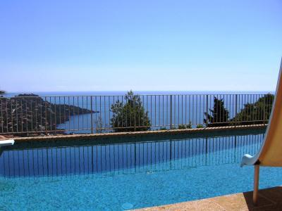Théoule sur Mer (06 Alpes Maritimes), a vendre villa de 320 m2, vue mer panoramique époustoufflante., piscine