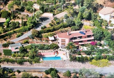 Théoule sur Mer (06 Alpes Maritimes), a vendre villa de 320 m2, vue mer panoramique époustoufflante., propriété