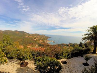 Théoule sur Mer (06 Alpes Maritimes), a vendre villa de 320 m2, vue mer panoramique époustoufflante., terrasses