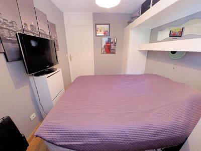 Théoule sur Mer (06 Alpes Maritimes), à vendre magnifique appartement rénové avec vue mer, parking., chambre