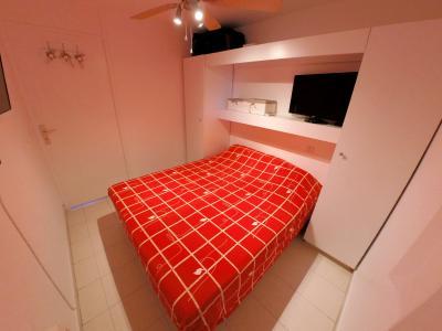Théoule sur Mer (06 Alpes Maritimes), à vendre appartement vue mer, terrasse 12m2, parking., chambre