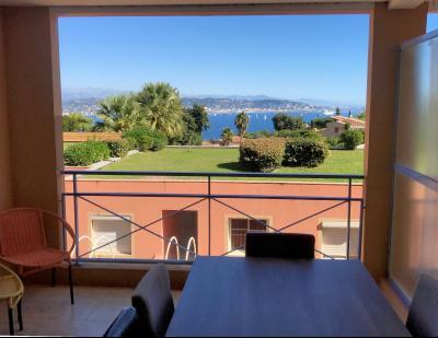 Théoule sur Mer (06 Alpes Maritimes), à vendre appartement vue mer, terrasse 12m2, parking., terrasse