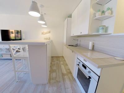 Théoule sur Mer (Alpes Maritimes), à vendre appartement rénové 38m2, terrasse, aperçu  mer, parking., cuisine
