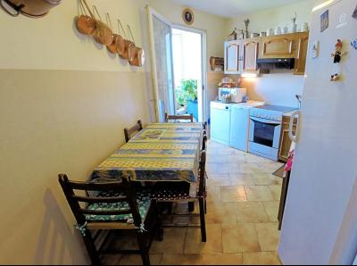 Le Cannet (06 Alpes Maritimes) vends appartement 4 pieces, 82m2, parking + garage, secteur Perier., cuisine