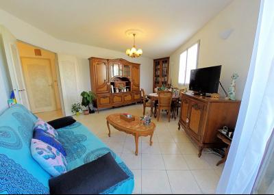 Le Cannet (06 Alpes Maritimes) vends appartement 4 pieces, 82m2, parking + garage, secteur Perier., séjour
