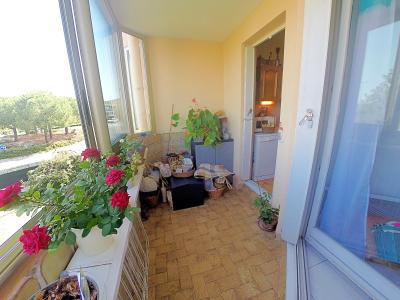 Le Cannet (06 Alpes Maritimes) vends appartement 4 pieces, 82m2, parking + garage, secteur Perier., véranda cuisine-séjour