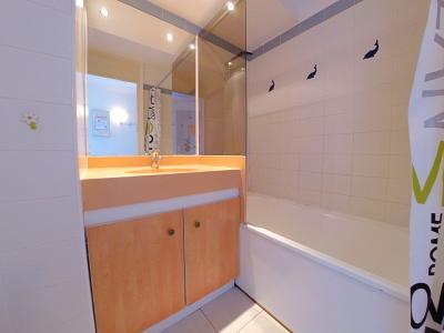 Théoule sur Mer (Alpes Maritimes), à vendre appartement vue mer, terrasse, grand garage box, salle de bains