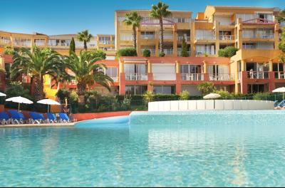 Théoule sur Mer (Alpes Maritimes), à vendre appartement vue mer, terrasse, grand garage box, piscine copropriété