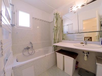 Cannes (Alpes Maritimes) à vendre villa 114 m², 4 chambres, jardin 110m2, garage, secteur Petit Juas, salle de bains