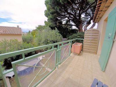 Cannes (Alpes Maritimes) à vendre villa 114 m², 4 chambres, jardin 110m2, garage, secteur Petit Juas, balcon
