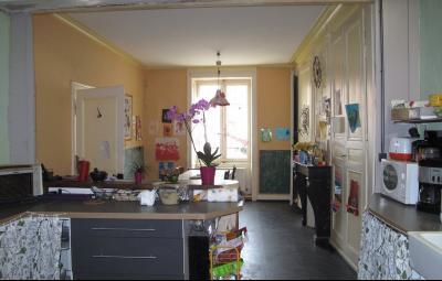 LONS LE SAUNIER (39, Jura), à vendre grande maison de caractère 186 m² avec 4 chambres., cuisine et séjour 30 m²